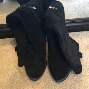 Tall suede boots black by UGG worn once